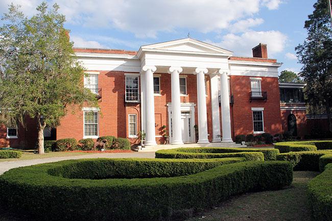Dixie Mansion portico