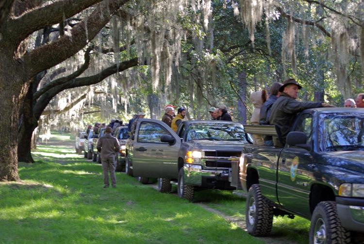 Wagon tour of Groton Plantation